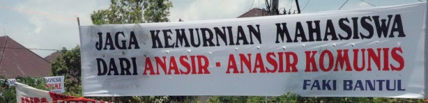 spanduk awas bahaya komunis_Bantul